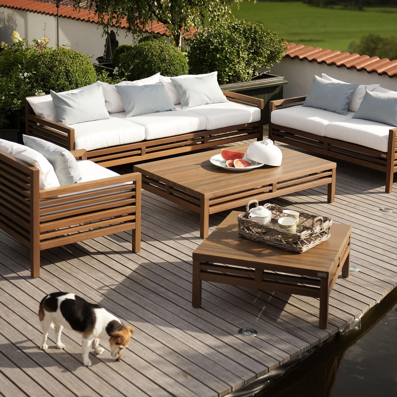 herrenhaus. Black Bedroom Furniture Sets. Home Design Ideas